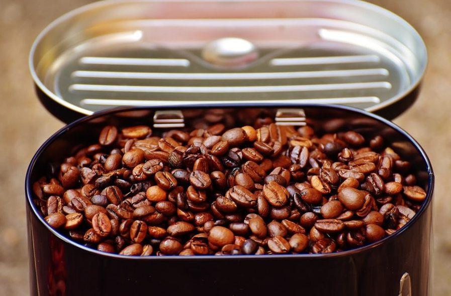なぜコーヒー豆の最良の保存方法は「冷凍」でなく「冷蔵」なのか