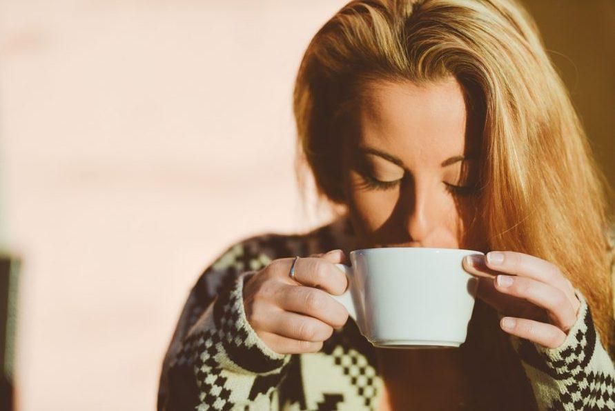コーヒーを飲んで幸せと健康になれる一日の適量とは