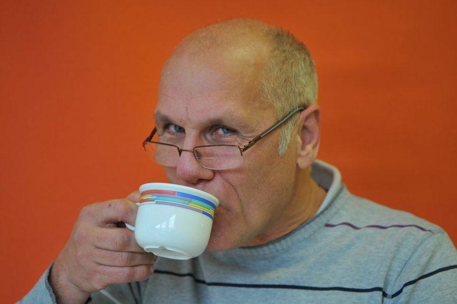 「コーヒーを飲むと薄毛になる」は本当かウソか化学的に解説