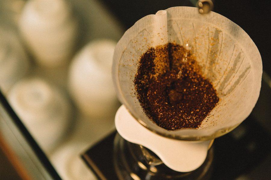 ペーパーフィルターがなぜコーヒーを最高に味わうのに優れているのか、種類別に説明