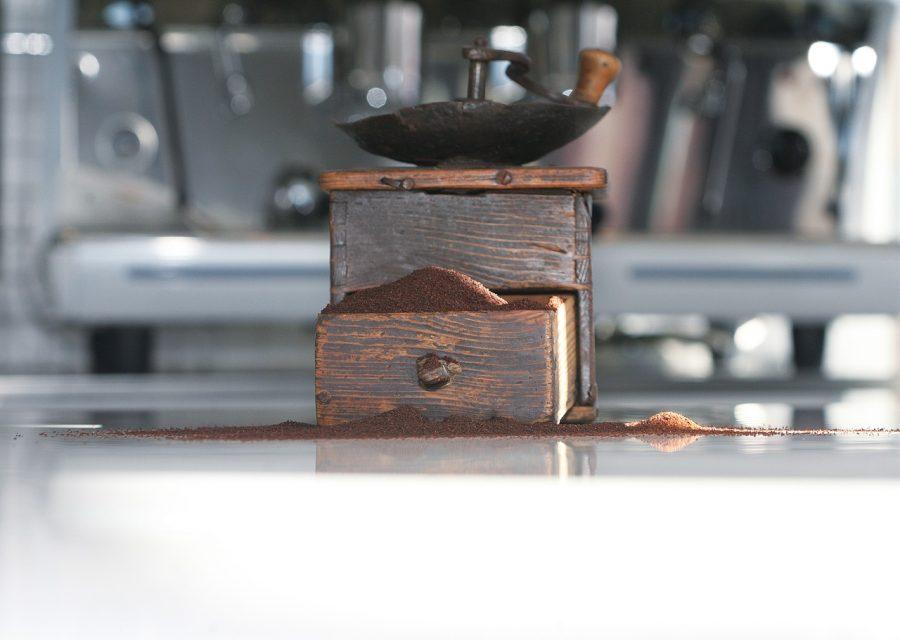 コーヒーミル(手動式)のメリット・デメリット|失敗しない選び方